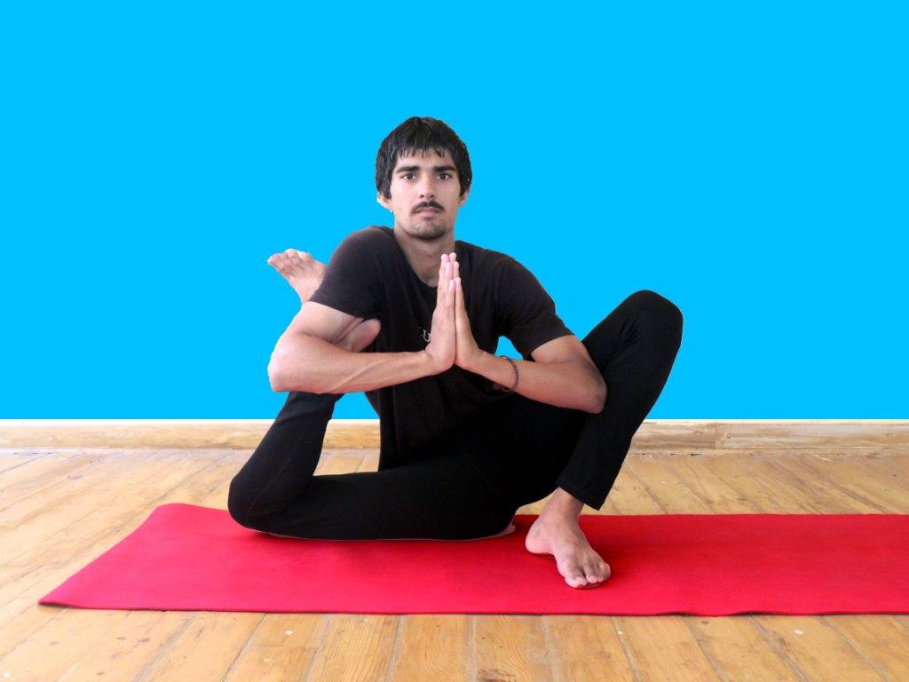 300 hour Yoga Teacher Training in Rishikesh - mOHIT
