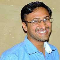 yoga-teacher-trainer-dr-gaurav