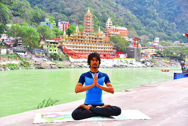 hatha-yoga-school-yogi-mohit