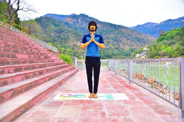 hatha-yoga-trainer-yogi-mohit